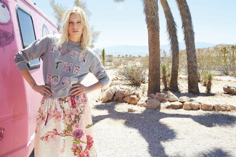 Lauren Wasser in een campagne van het Belgische merk Julia June.