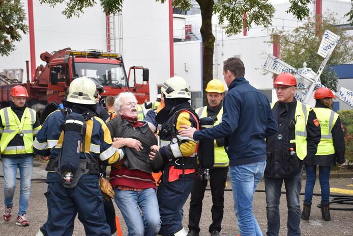 Slachtoffers en paniek maken het nog echter bij brandweerwedstrijd Veghel.