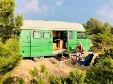 Deze Enschedeërs verruilden hun huis voor een camper