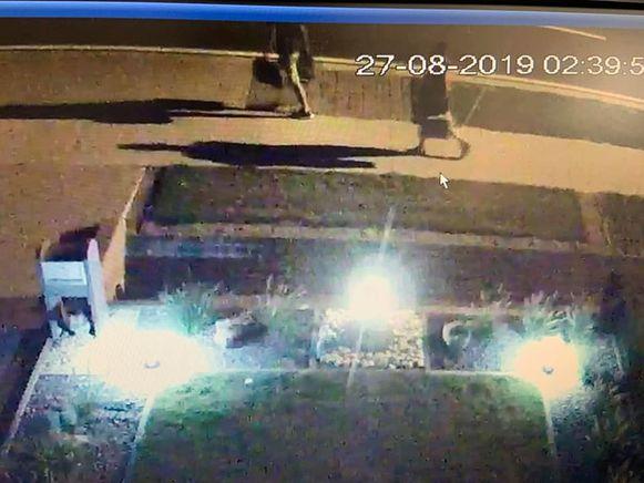 Verschillende daders gingen ervandoor met materiaal uit de bestelwagen in de Turnhoutsebaan in Dessel.