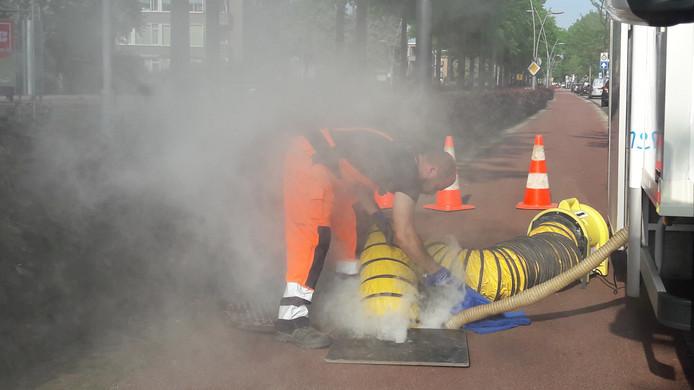 De rookproef gaat van start in de Jan de Rooijstraat