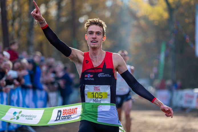 Mike Foppen ging in 2019 als eerste over de finish bij de mannen.