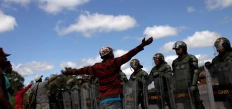 Venezolaanse oppositieleider Guaidó daagt Maduro uit en reist naar Colombia