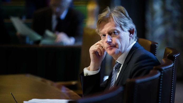 Staatssecretaris Van Rijn in de Eerste Kamer