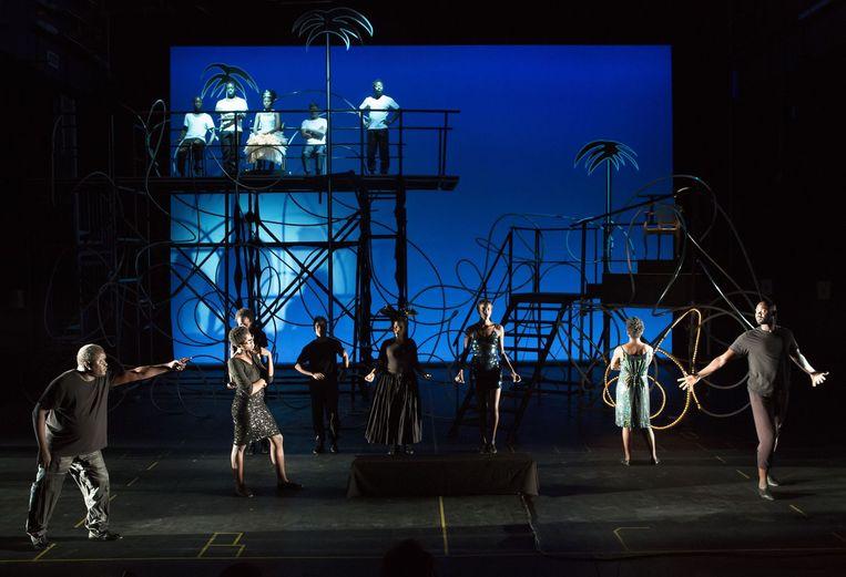 Les Négres van Jean Genet in de opvoering van Robert Wilson. Beeld Lucie Jansch