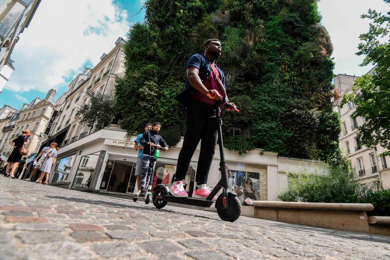 Ook in Parijs zijn deelsteps erg populair. (archieffoto)