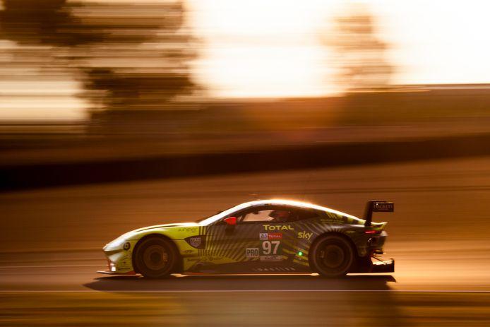 De Aston Martin van Maxime Martin. De Brusselaar kan dit weekend wereldkampioen uithouding worden.