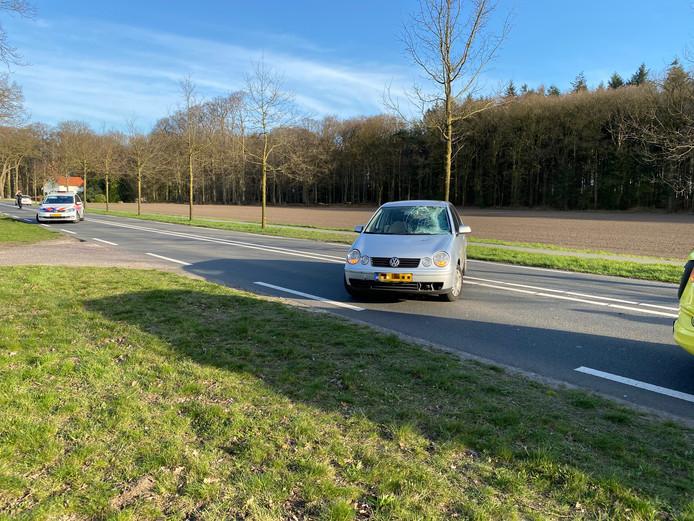 De fietser werd geschept op de Holterweg, net buiten Deventer.