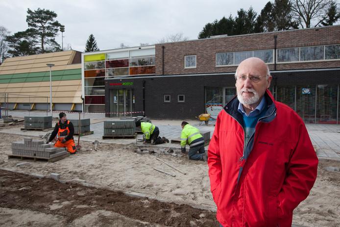 Ab Muil bij Dorpshuus Hoeflo in Harfsen, tijdens een verbouwing in 2016.