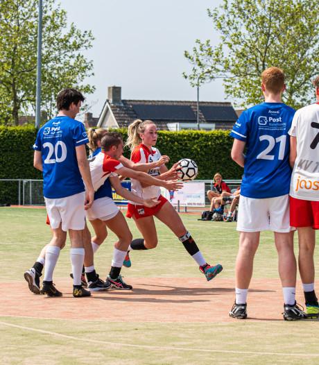 Bouwens helpt Oranje onder 21 met twee treffers naar halve finale EK