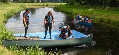 Kanoën in Zenderen: 'Verkopen jullie ook droge onderbroeken?'