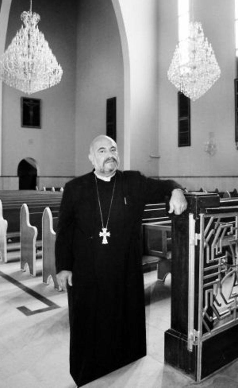 Vader Gabriellian van de Armeens-orthodoxe kerk in Bagdad. ©EDDY VAN WESSEL Beeld