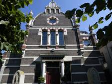 Streep door foodhall in Deventer synagoge