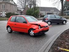 Auto's flink beschadigd bij botsing in Groesbeek