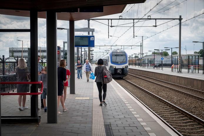Het station in Elst.