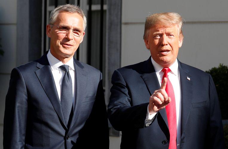 De Amerikaanse president Donald Trump werd vanochtend ontvangen door Jens Stolternberg, secretaris-generaal van de NAVO, voor een werkontbijt.