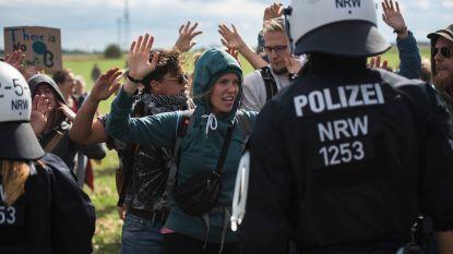 Duizenden activisten protesteren in Duitsland tegen plan energiebedrijf om bos te kappen