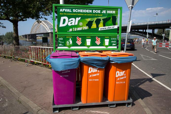 De Vierdaagsefeesten en de Dar gaan het afval nog beter gescheiden inzamelen, zodat het plastic hergebruikt kan worden voor nieuwe producten.