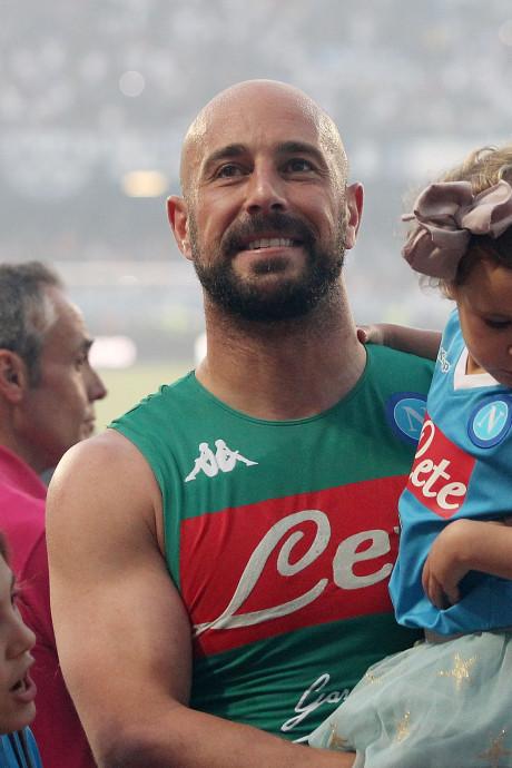 WK-ganger Reina in het nauw door banden met maffia