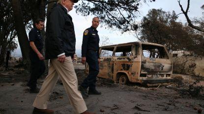 Trump bezoekt platgebrand dorp Paradise (en vergeet meteen de naam)