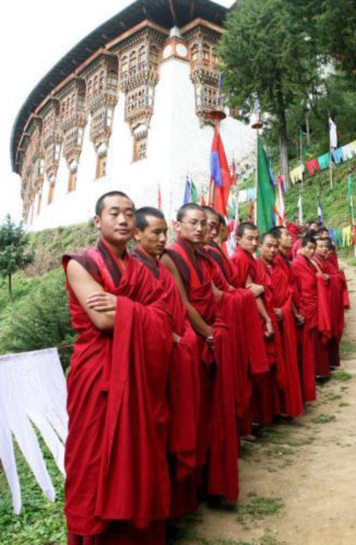 Het is een historische dag voor de inwoners van Bhutan.