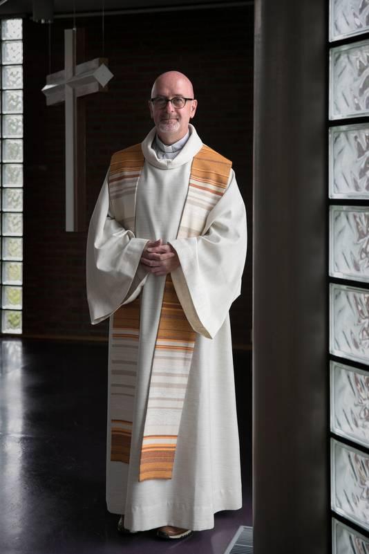 Eindhoven Pastoor Wim van den Berg van de oud-katholieke kerk.