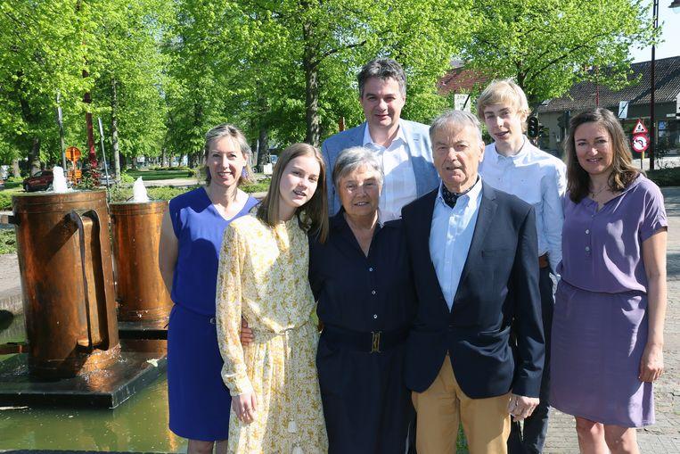 Herman Mariens en Monique Degroote vieren hun gouden huwelijksjubileum.