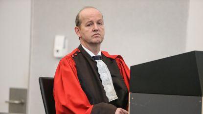 """LIVE. Ook Openbaar Ministerie vraagt vrijspraak voor huisarts Frank D.G.: """"Zijn handtekening is misbruikt"""""""
