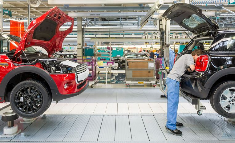 De productiehal van VDL Nedcar. De autofabriek is omgebouwd en heringericht voor de productie van de nieuwe MINI in opdracht van BMW.  Beeld ANP XTRA