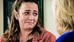 """Jits Van Belle trakteert de 'Familie'-cast op plezant cadeautje: """"Deze mondmaskers zijn mijn charmeoffensief"""""""