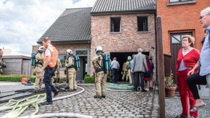 Ouwegemsesteenweg afgesloten voor woningbrand