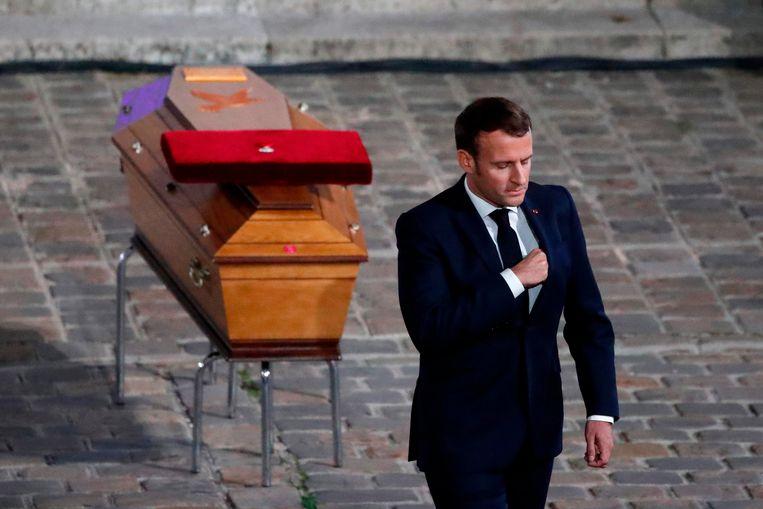 In zijn toespraak tijdens de herdenkingsdienst zei de Franse president Emmanuel Macron dat Paty het slachtoffer was van 'lafaarden'. Beeld AFP