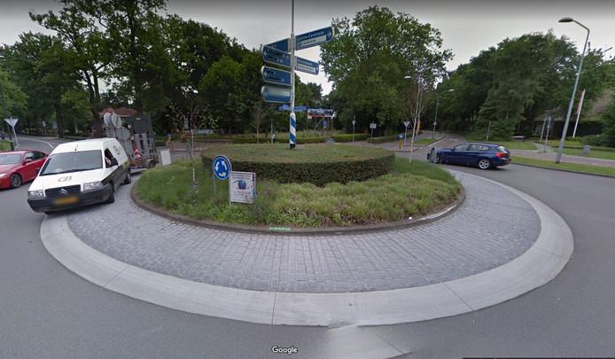 De rotonde Rillaersebaan, Tilburgseweg in Goirle.