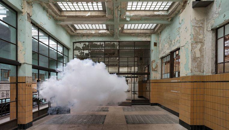 Berndnaut Smilde: Nimbus Dumont (2014) Beeld Cassander Eeftinck Schattenkerk/Ronchini Gallery