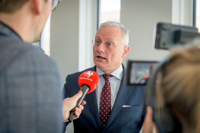 """Arjan Gerritsen, burgemeester van Almelo: '""""Het is gewoon mijn baan, de kinderen weten niet anders."""""""