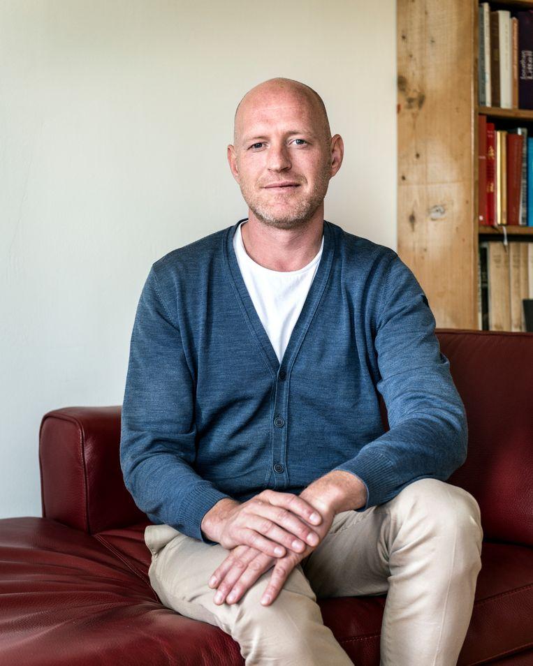 Gösta Huijs (42), humanistisch geestelijk verzorger bij defensie. Beeld Eva Faché