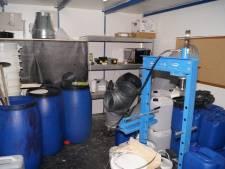 Arrestaties in IJsselstein en Houten vanwege vondst grote hoeveelheid chemicaliën