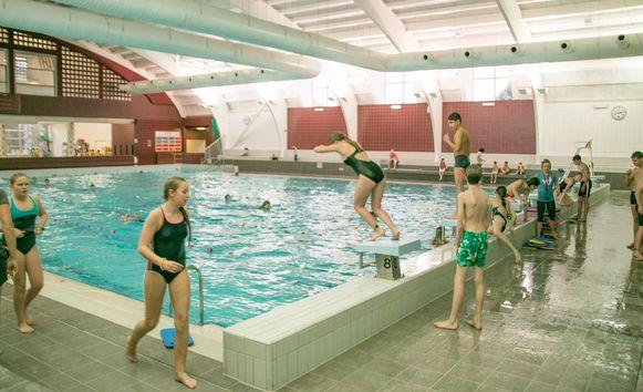 Het Sinbad, het stedelijk zwembad in Sint-Niklaas,  blijft woensdag overdag gesloten. Het zwembad gaat vanaf 18.30 uur terug open voor de zwemclubs.