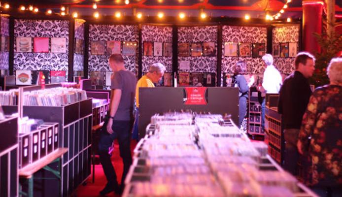 Meer dan 40.000 LP's en singles worden tentoongesteld en verkocht in de Jaarbeurs.