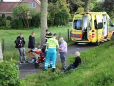 Drie gewonden bij botsing snorfiets en fietser in Mijdrecht