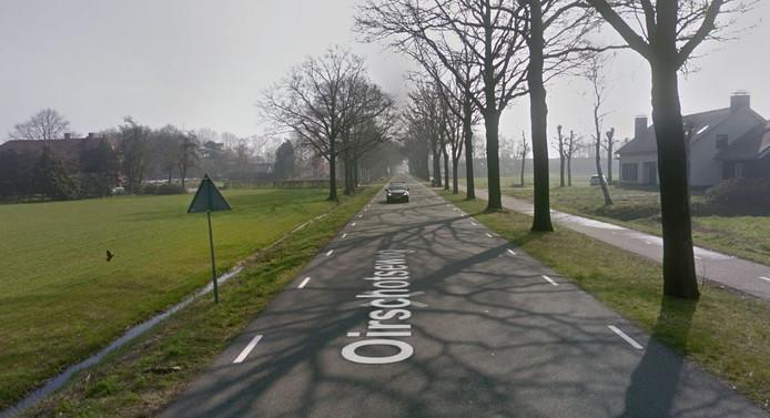 Het plan voor een paardenhouderij aan de Oirschotseweg (rechts) stuit in Moergestel op bezwaren van de overburen
