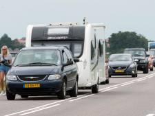 Kilometerslange file richting muziekfestival Lowlands