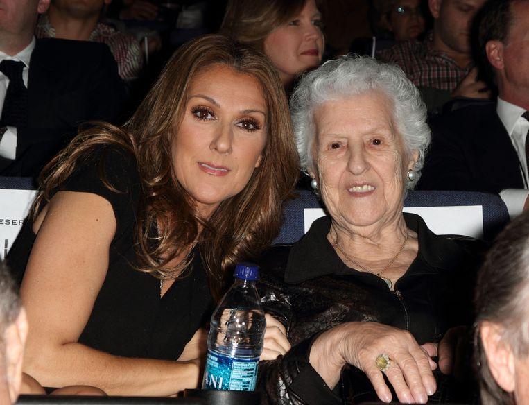 Céline Dion en haar moeder Thérèse in 2010.