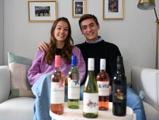 """The Grape House van Annaëlle (19) en Alexander (21) levert wijn gratis op kot: """"Als student is het niet makkelijk om de juiste fles te vinden én niet te veel te betalen"""""""
