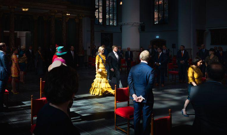 Koning Willem Alexander en Koningin Maxima arriveren in de Grote Kerk voor aanvang van de Troonrede. Beeld Freek van den Bergh / de Volkskrant