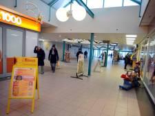 Woerden zet camera's in op onveilig winkelcentrum Tournoysveld