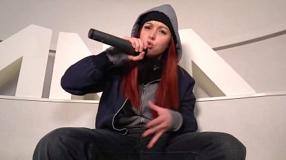 'Blind Getrouwd'-experte Lotte heeft verborgen raptalent