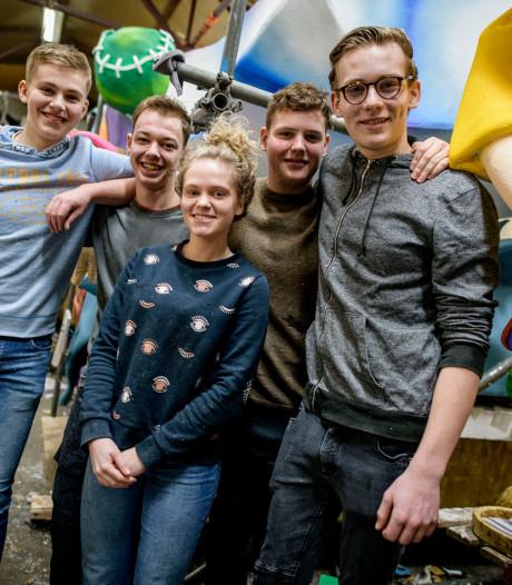 Oldenzaalse 18-minners: 'Hele jaar hoor je erbij, maar bij belangrijkste feest val je erbuiten'