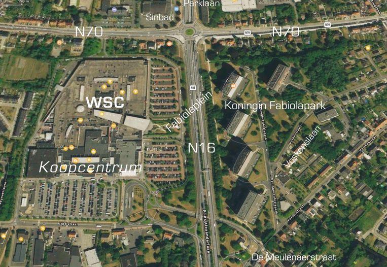"""Het laatste voorstel van ABLLO, met een nieuwe ziekenhuis tussen Waasland Shopping Center en de Fabiolablokken, met een ondertunneling van de N16. """"Absurd. Wat is het volgende? Een ziekenhuis aan het station?"""", stelt Christel Geerts (sp.a)."""