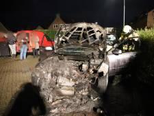 Auto brandt uit in Eck en Wiel